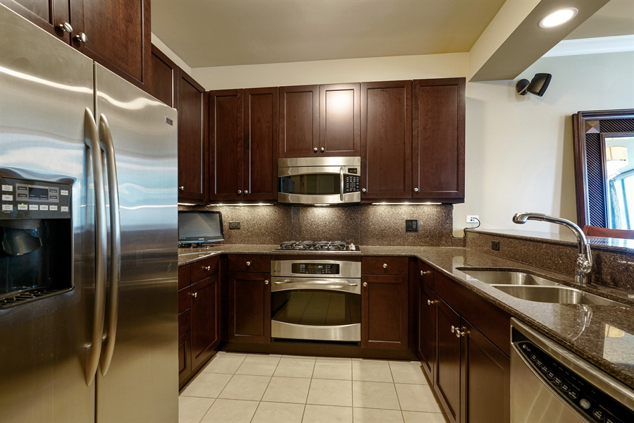 Real Estate Photography - 600 N Lake Shore Dr, 1410, Chicago, IL, 60611 - Kitchen