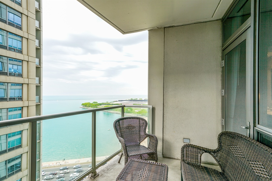 Real Estate Photography - 600 N Lake Shore Dr, 1410, Chicago, IL, 60611 - Balcony