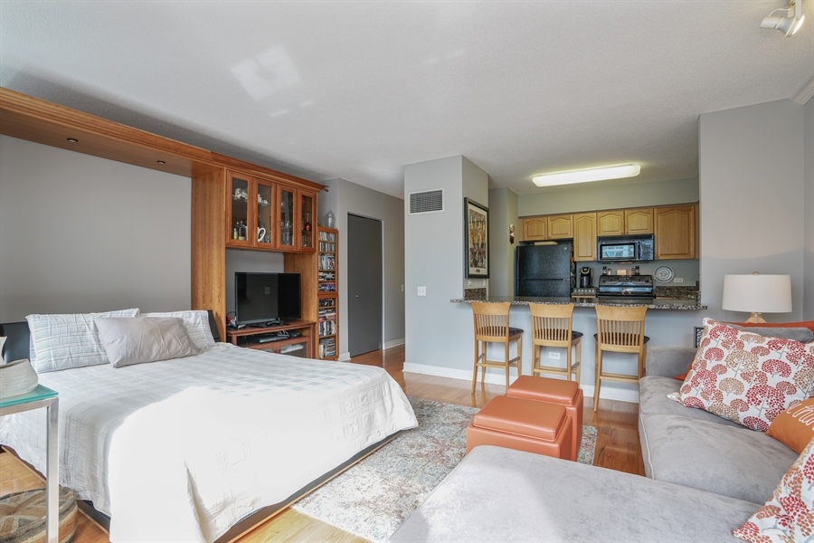 Real Estate Photography - 512 N McClurg Ct, 2509, Chicago, IL, 60611 - Living Room