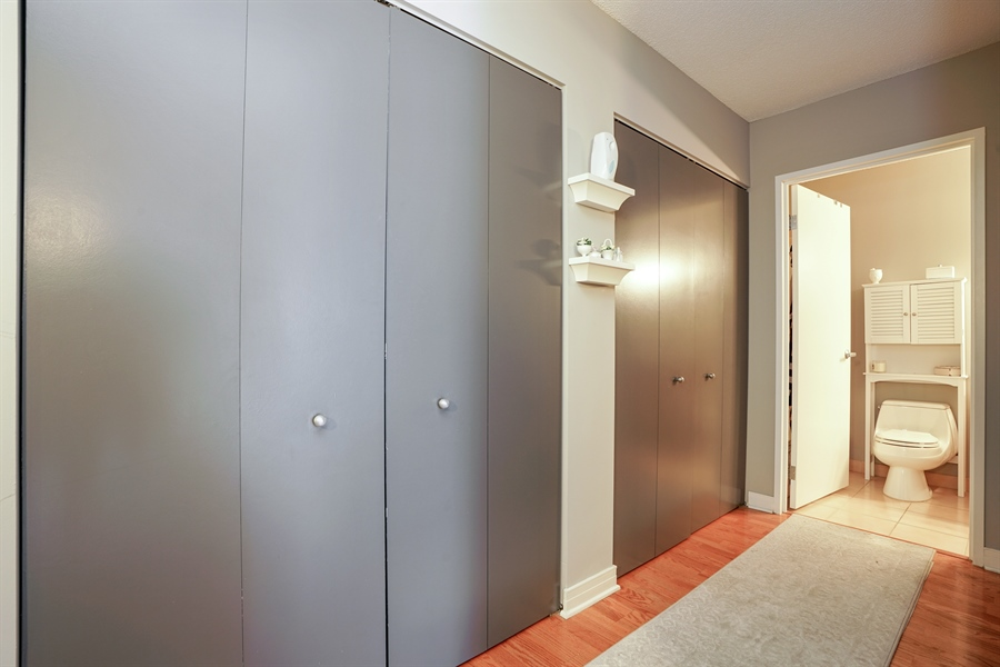 Real Estate Photography - 512 N McClurg Ct, 2509, Chicago, IL, 60611 - Hallway