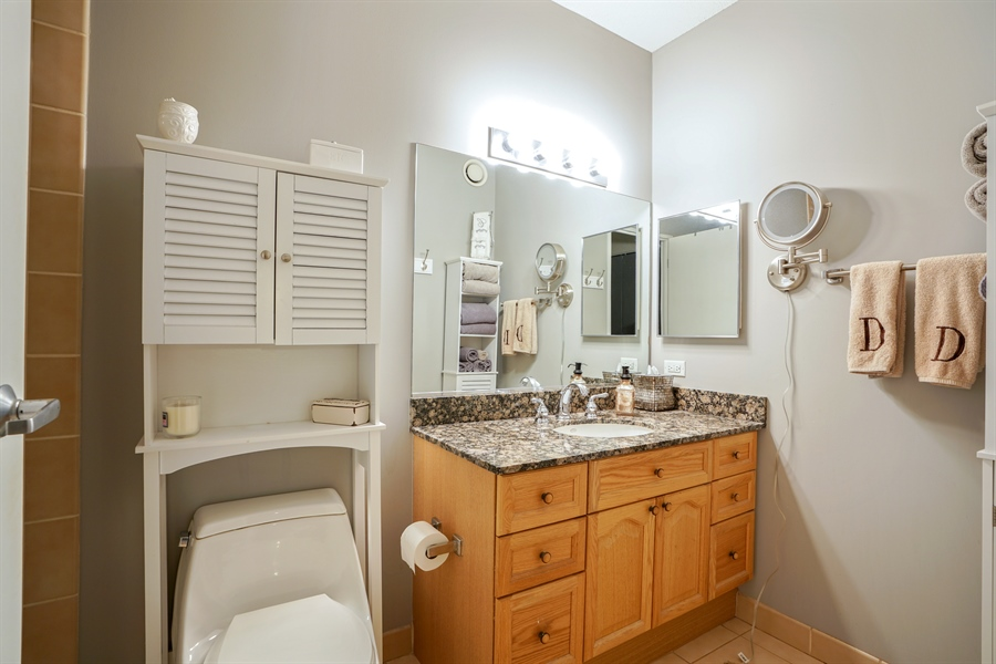 Real Estate Photography - 512 N McClurg Ct, 2509, Chicago, IL, 60611 - Bathroom