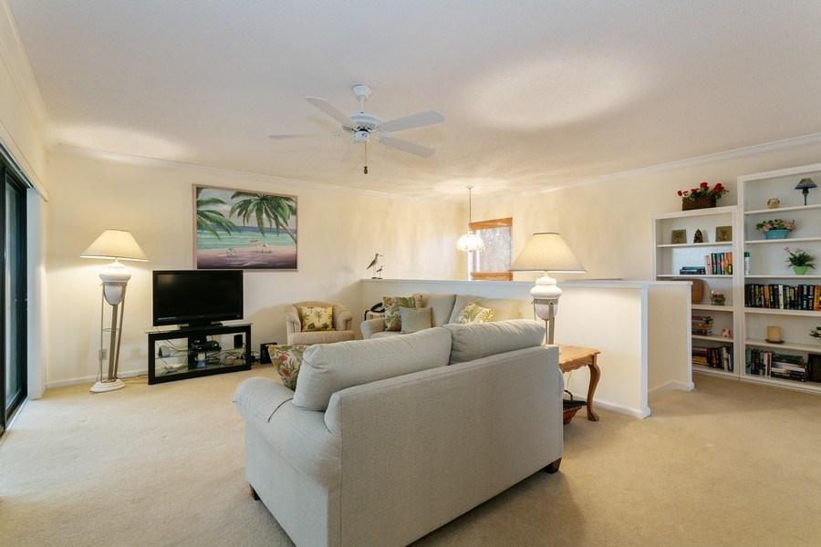Real Estate Photography - 17109 WATERBEND DR 222, JUPITER, FL, 33477 - Living Room