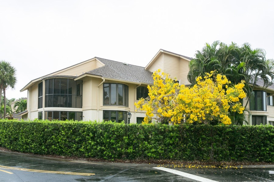 Real Estate Photography - 17109 WATERBEND DR 222, JUPITER, FL, 33477 - Rear View