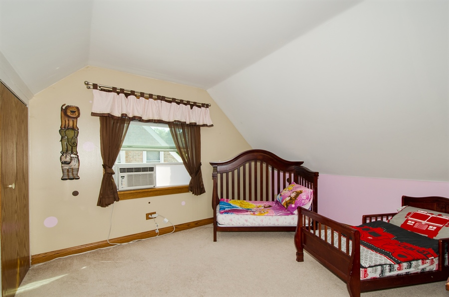 Real Estate Photography - 543 Orchard Ct, Des Plaines, IL, 60016 - 2nd Bedroom