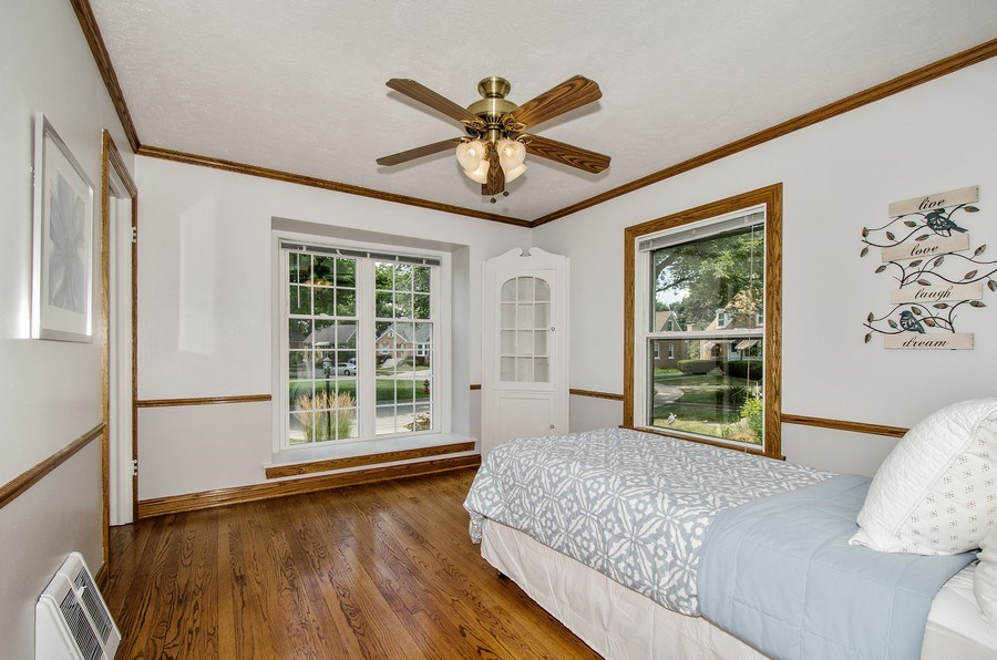 Real Estate Photography - 543 Orchard Ct, Des Plaines, IL, 60016 - 3rd Bedroom