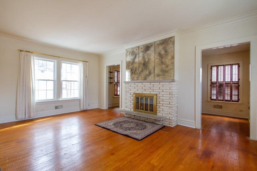 Real Estate Photography - 705 S Vine Ave, Park Ridge, IL, 60068 - Living Room