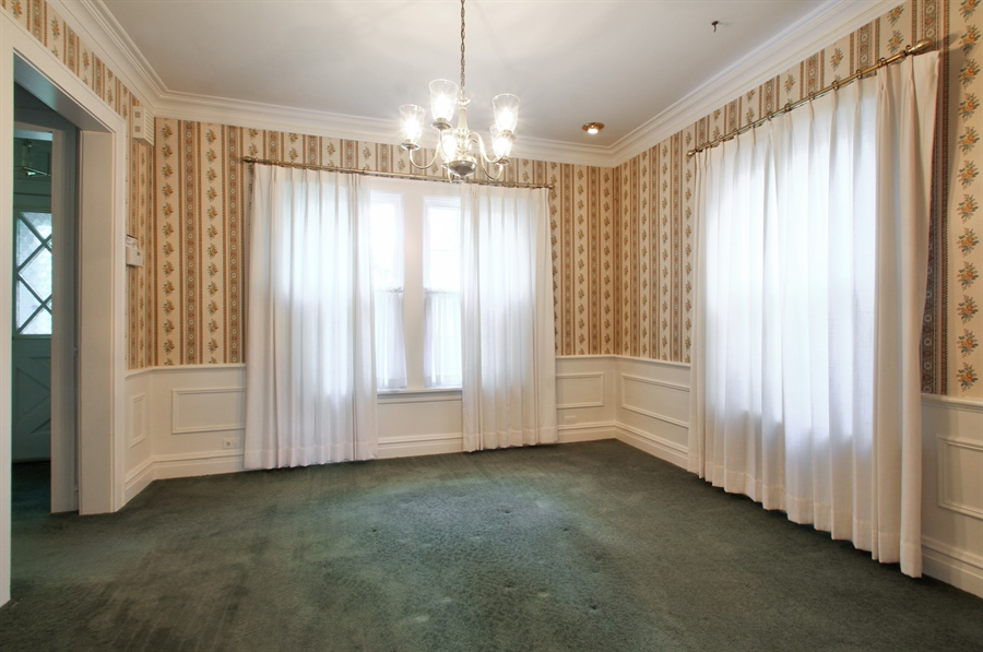Real Estate Photography - 705 S Vine Ave, Park Ridge, IL, 60068 - Dining Room