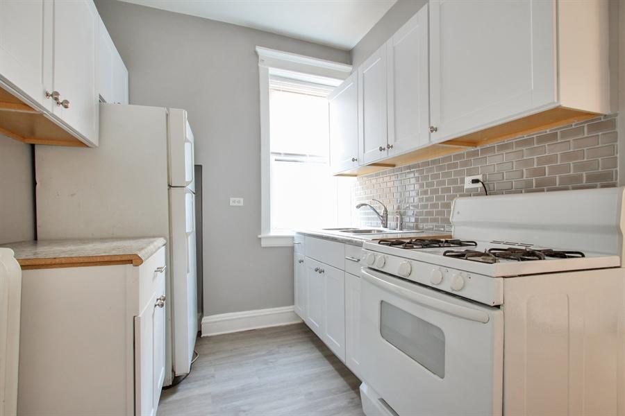 Real Estate Photography - 4822 W. Hutchinson Street, 9B, Chicago, IL, 60641 - Kitchen