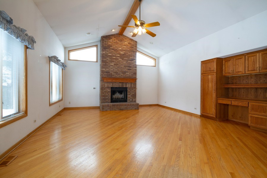 Real Estate Photography - 213 W Kathleen Dr, Park Ridge, IL, 60068 - Living Room