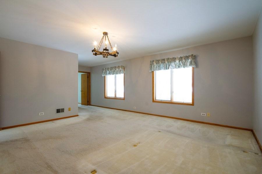 Real Estate Photography - 213 W Kathleen Dr, Park Ridge, IL, 60068 - Master Bedroom