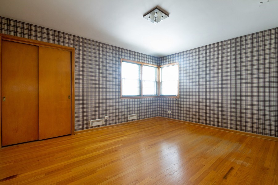 Real Estate Photography - 213 W Kathleen Dr, Park Ridge, IL, 60068 - 3rd Bedroom