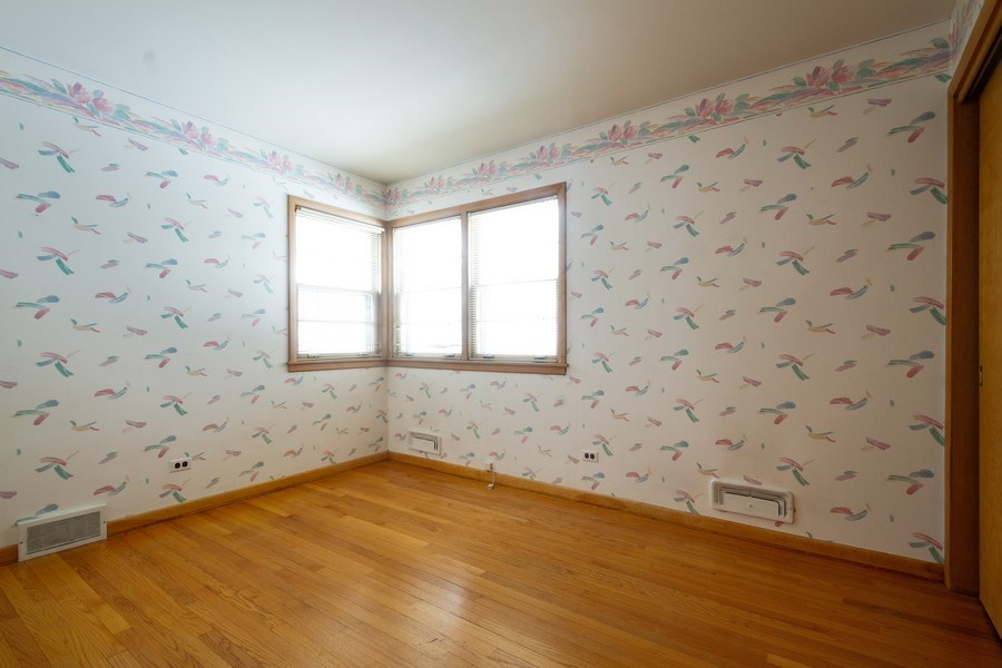 Real Estate Photography - 213 W Kathleen Dr, Park Ridge, IL, 60068 - 4th Bedroom