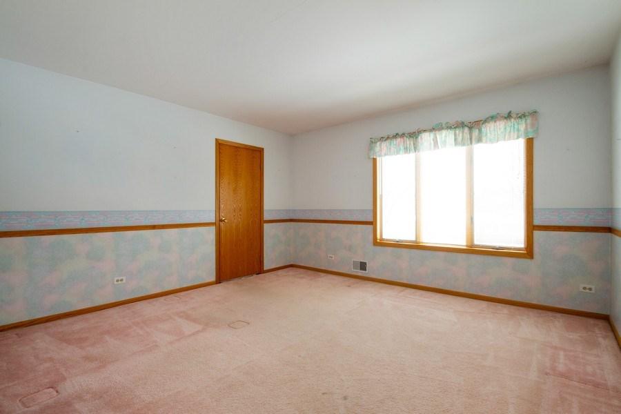 Real Estate Photography - 213 W Kathleen Dr, Park Ridge, IL, 60068 - Bedroom