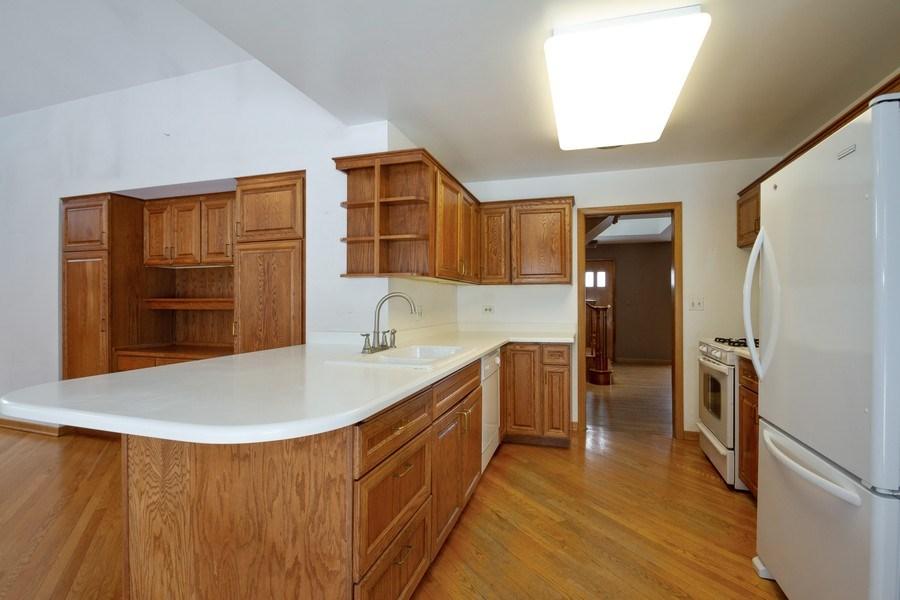 Real Estate Photography - 213 W Kathleen Dr, Park Ridge, IL, 60068 - Kitchen