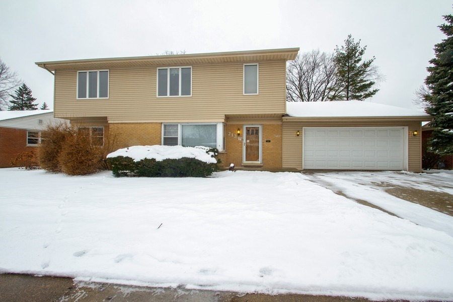 Real Estate Photography - 213 W Kathleen Dr, Park Ridge, IL, 60068 - Front View