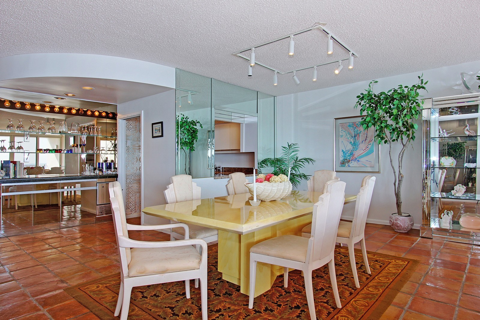 Real Estate Photography - 2001 SE Sailfish Point Blvd, Unit 402, Stuart, FL, 34996 - Dining Room