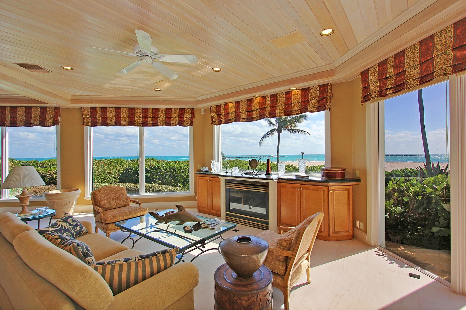 Real Estate Photography - 3097 SE Island Point Ln, Stuart, FL, 34996 - Family Room