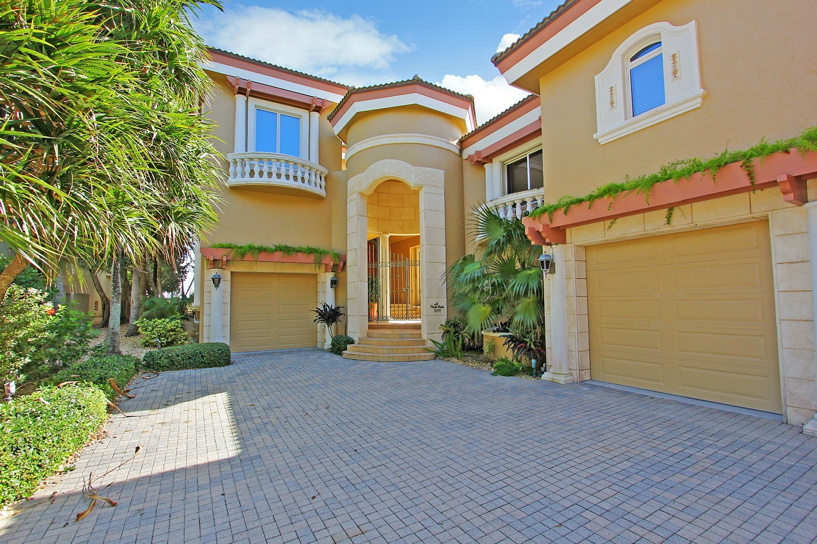 Real Estate Photography - 3097 SE Island Point Ln, Stuart, FL, 34996 - Front View