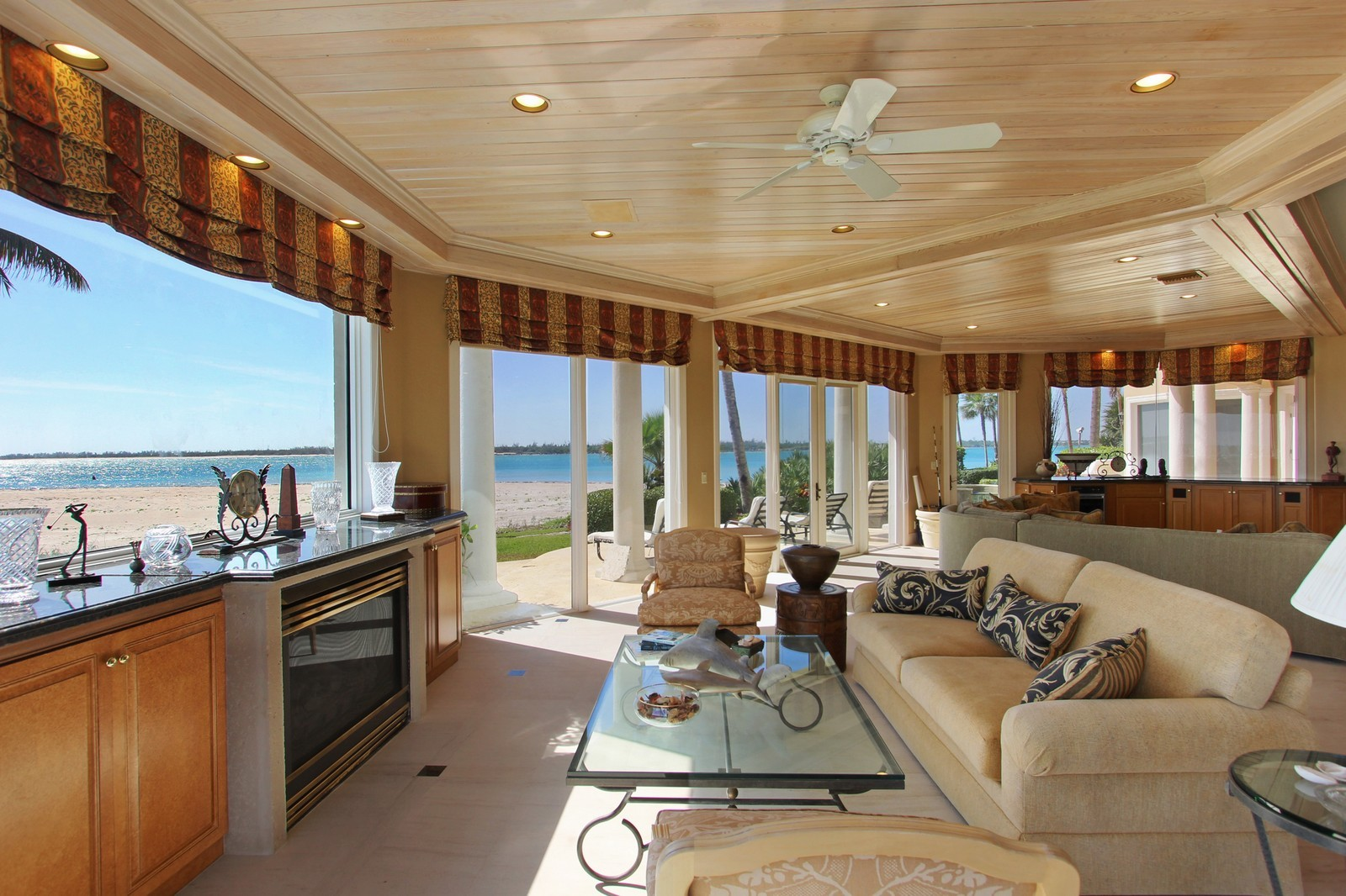 Real Estate Photography - 3097 SE Island Point Ln, Stuart, FL, 34996 - Family Room / Kitchen