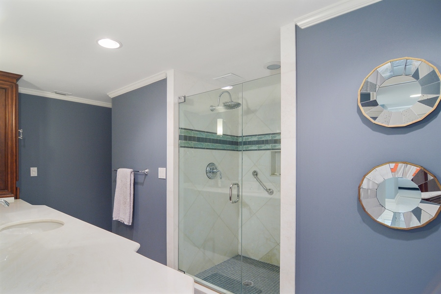 Real Estate Photography - 2814 SE Dune Drive, 2112, Stuart, FL, 34996 - Master Bath #1