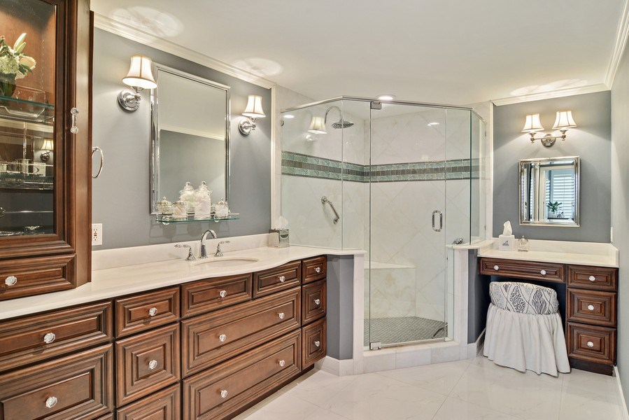 Real Estate Photography - 2814 SE Dune Drive, 2112, Stuart, FL, 34996 - Master Bathroom