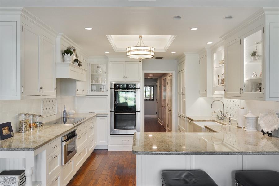 Real Estate Photography - 2814 SE Dune Drive, 2112, Stuart, FL, 34996 - Kitchen