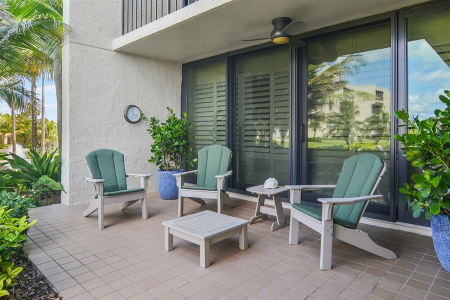 Real Estate Photography - 2814 SE Dune Drive, 2112, Stuart, FL, 34996 - Covered Patio