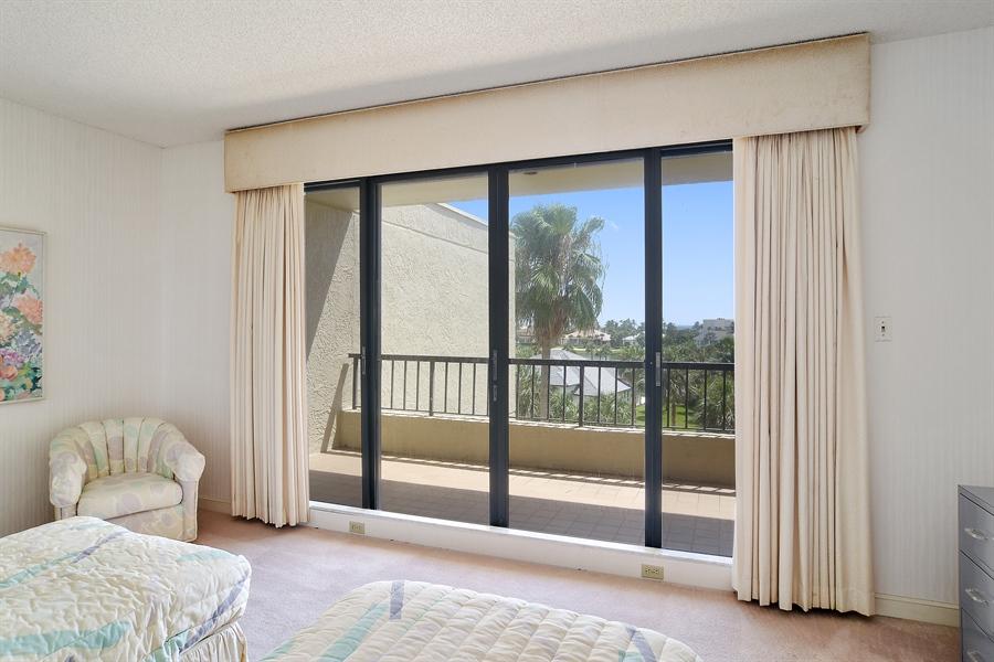 Real Estate Photography - 2816 SE Dune Drive, 2406, Stuart, FL, 34996 - Guest Bedroom