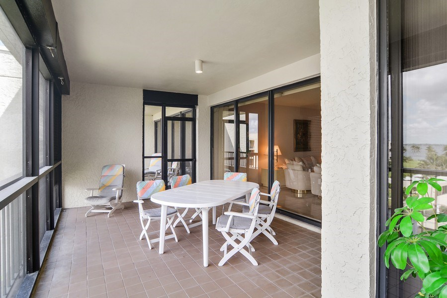 Real Estate Photography - 2816 SE Dune Drive, 2406, Stuart, FL, 34996 - Patio