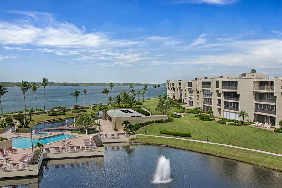 Real Estate Photography - 2814 SE Dune Drive, 2407, Stuart, FL, 34996 - River/Intracoastal View