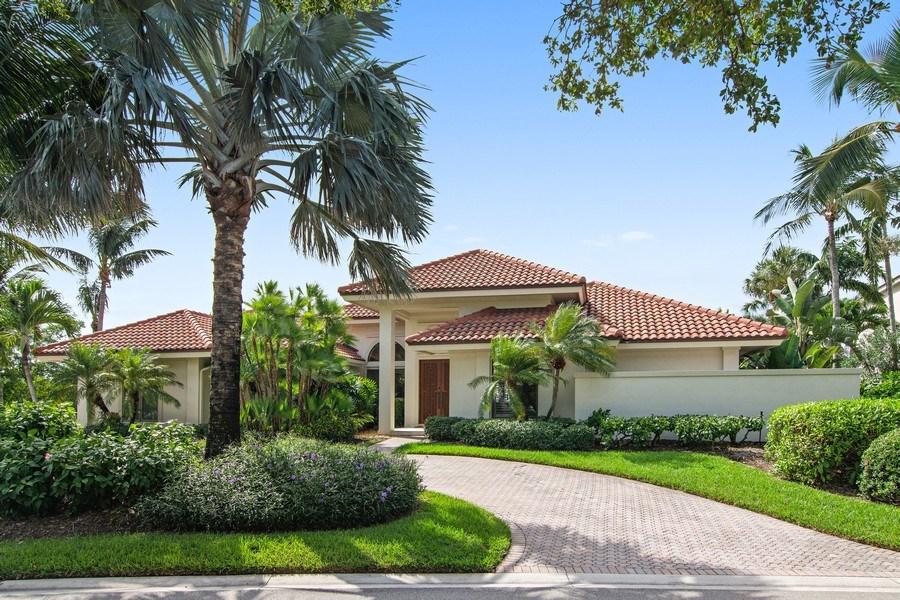 Real Estate Photography - 6967 Harbor Circle, Stuart, FL, 34996 - Front View