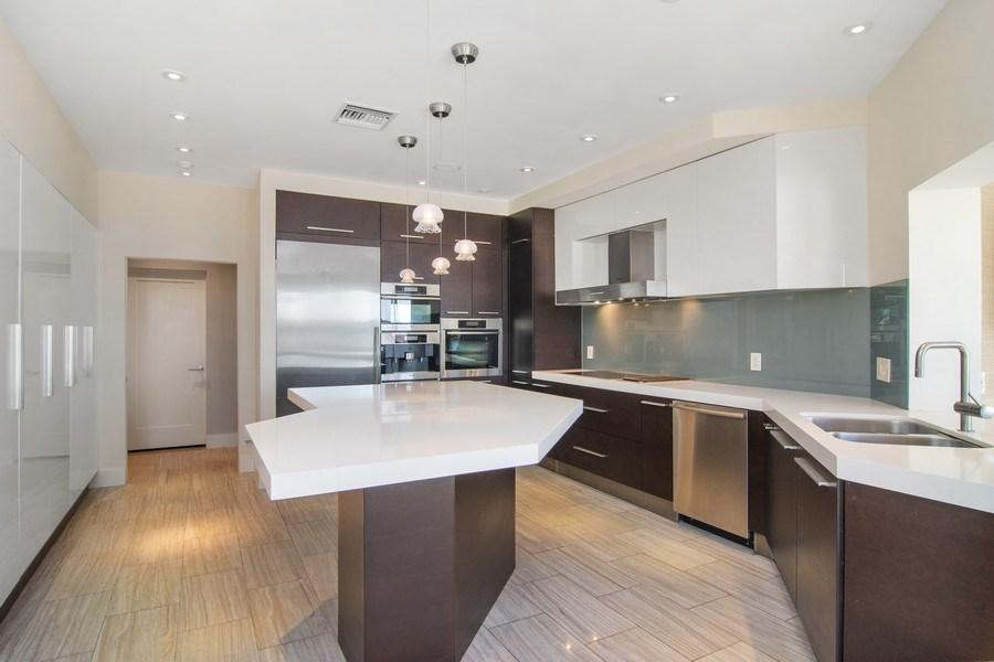 Real Estate Photography - 6900 SE Harbor Circle, Stuart, FL, 34996 - Kitchen