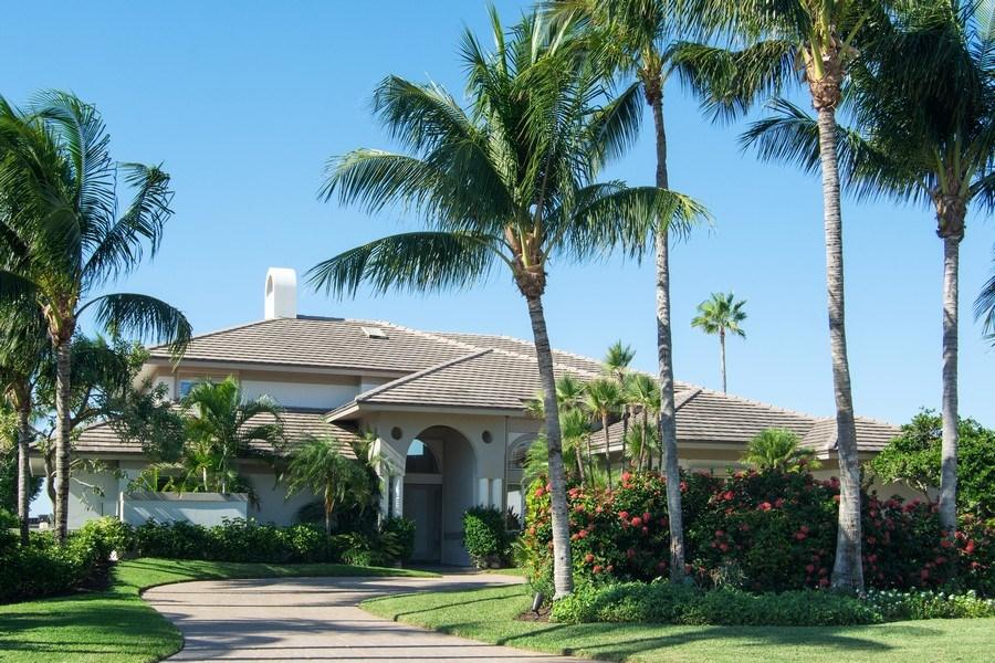 Real Estate Photography - 6900 SE Harbor Circle, Stuart, FL, 34996 - Front View
