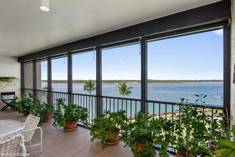 Real Estate Photography - 2824 SE Dune Drive, 2401, Stuart, FL, 34996 - Covered Terrace View