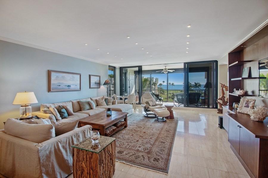 Real Estate Photography - 2802 SE Dune Drive, #1312, Stuart, FL, 34996 - Living Room