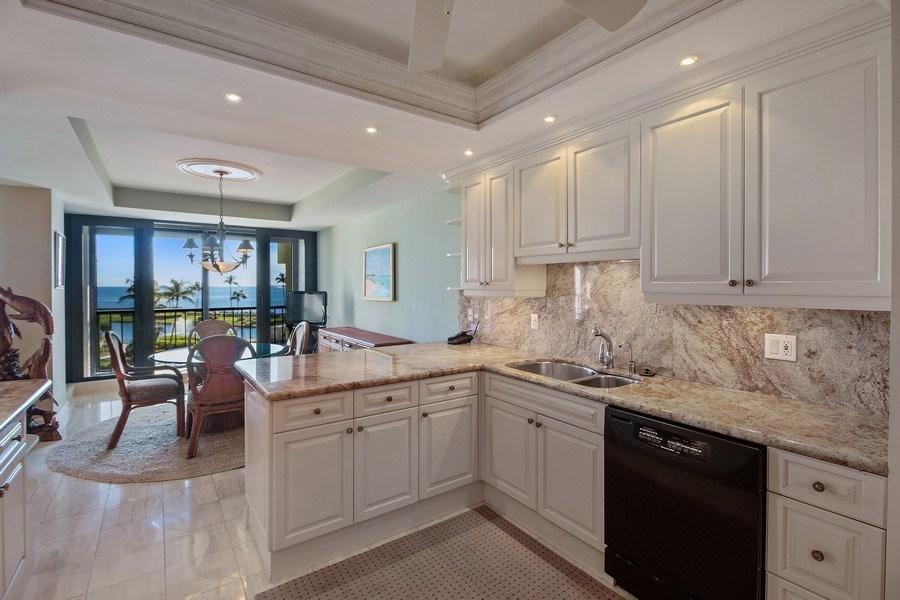 Real Estate Photography - 2802 SE Dune Drive, #1312, Stuart, FL, 34996 - Kitchen