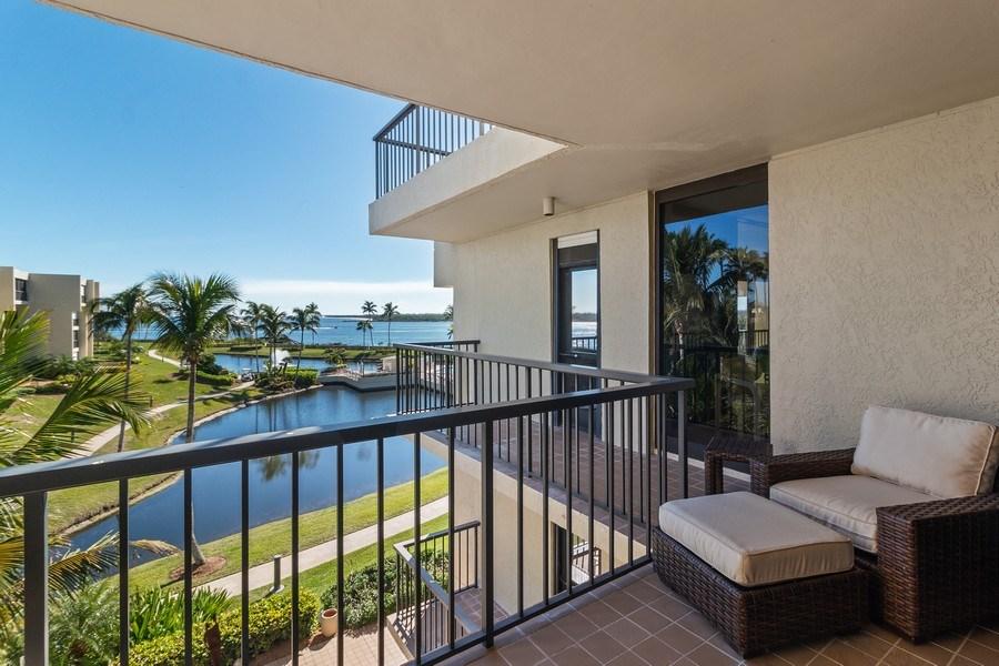 Real Estate Photography - 2802 SE Dune Drive, #1312, Stuart, FL, 34996 - Patio