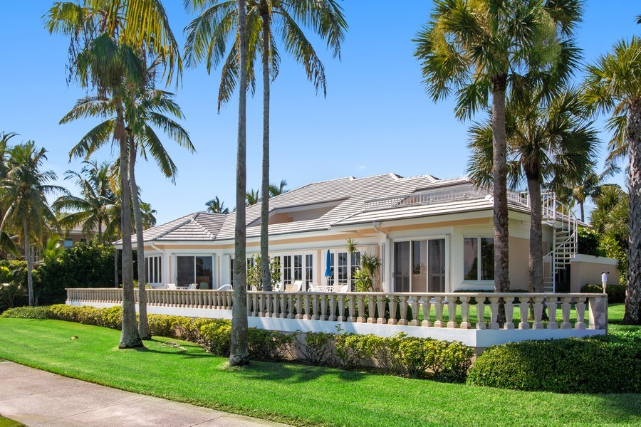Real Estate Photography - 6401 SE Harbor Circle, Stuart, FL, 34996 - Rear View