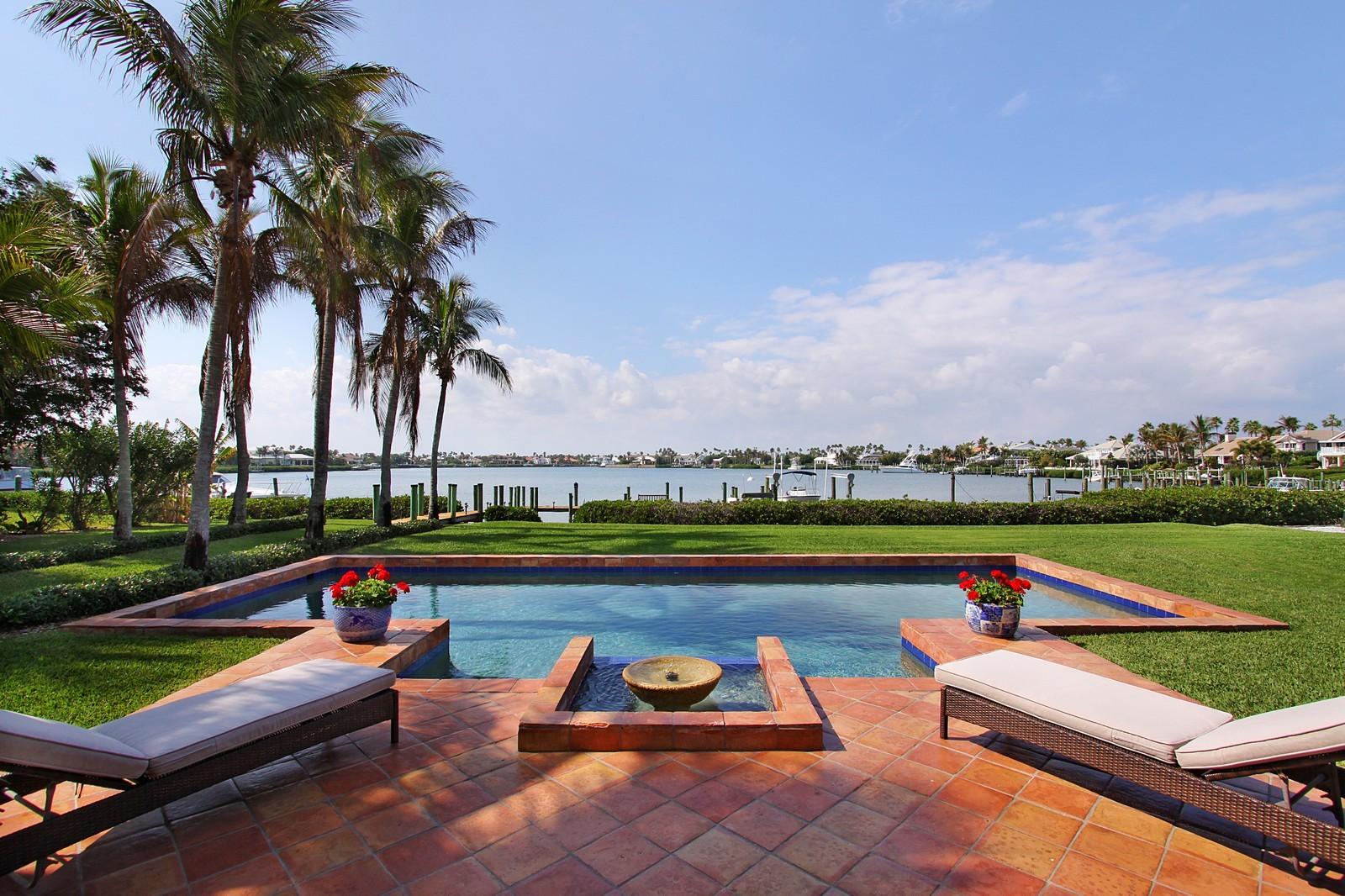 Real Estate Photography - 6840 SE Harbor Cir, Stuart, FL, 34996 - Pool