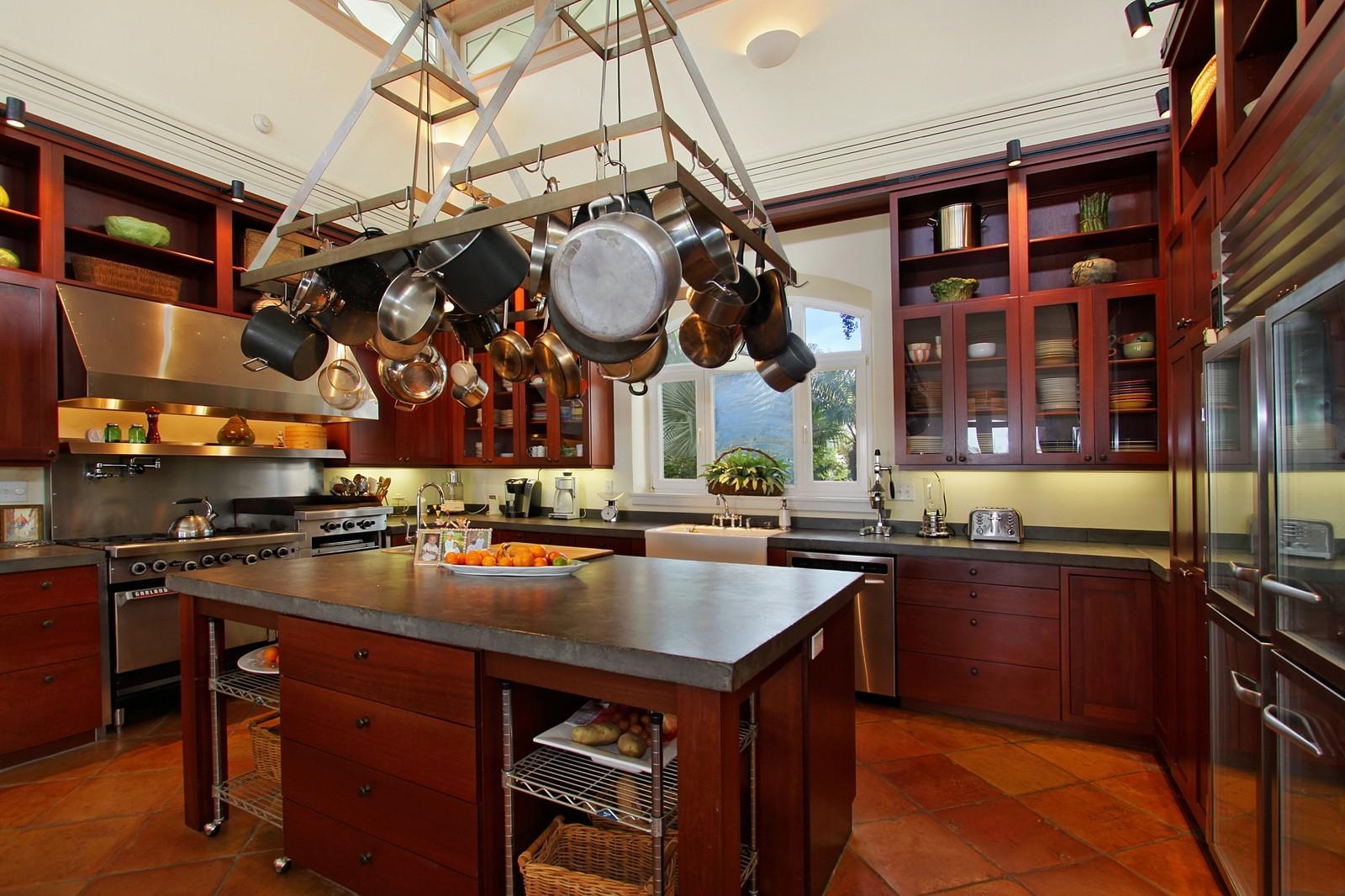 Real Estate Photography - 6840 SE Harbor Cir, Stuart, FL, 34996 - Kitchen