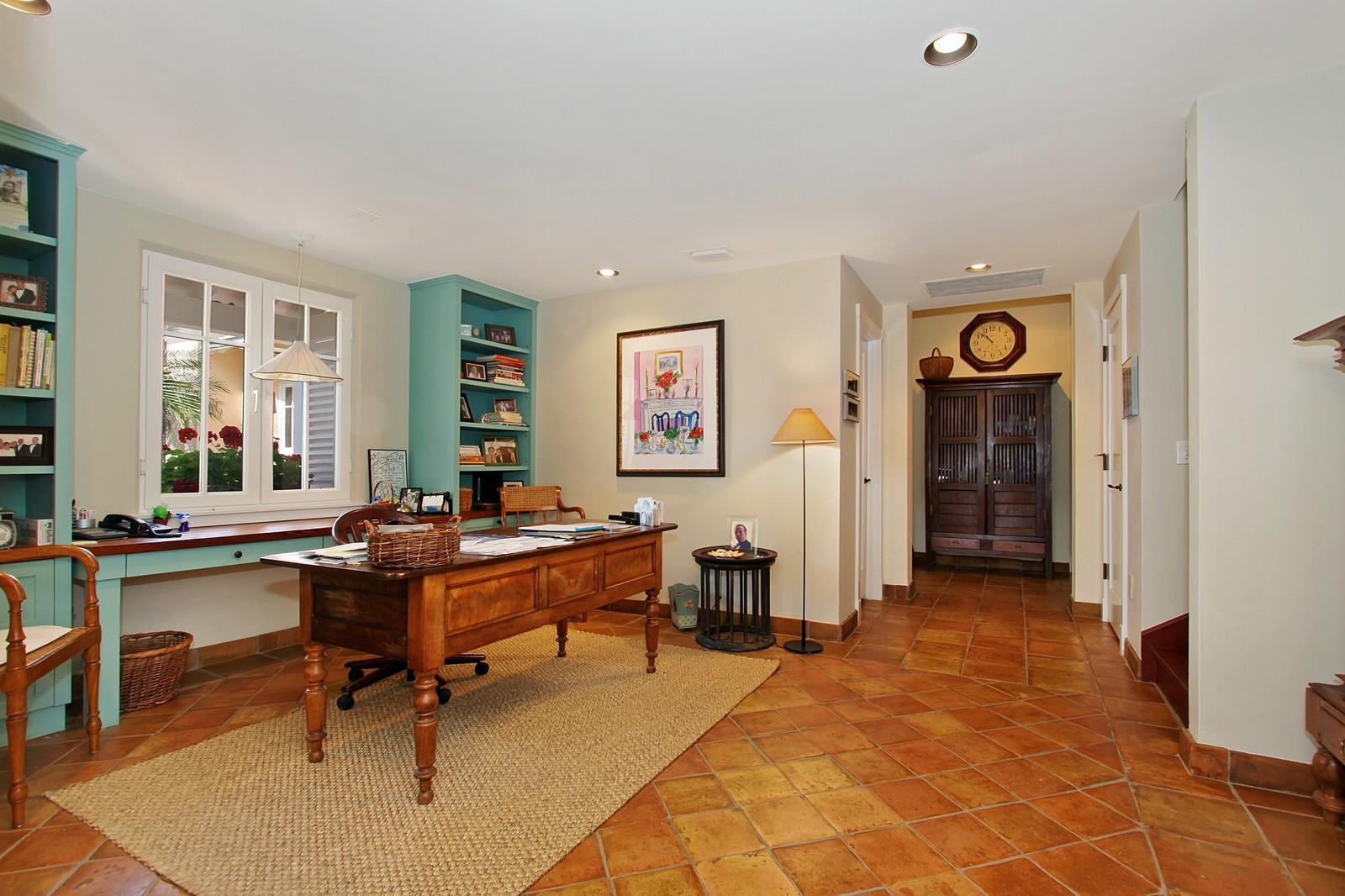 Real Estate Photography - 6840 SE Harbor Cir, Stuart, FL, 34996 - Office