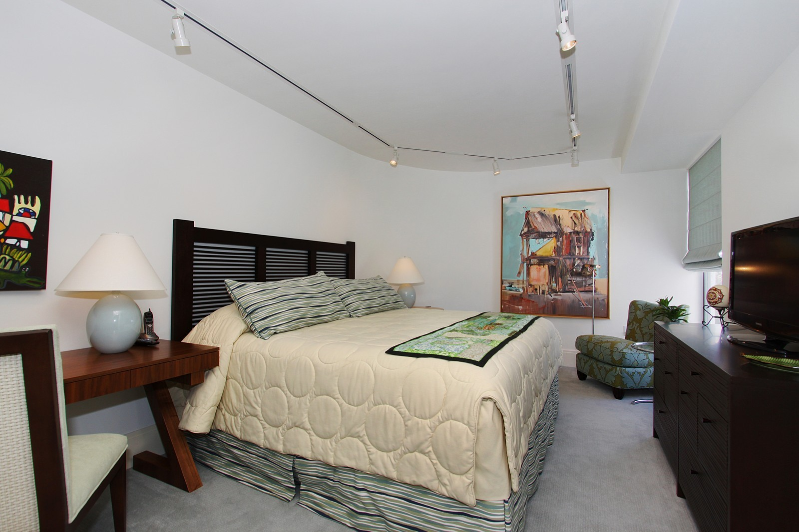 Real Estate Photography - 2001 SE Sailfish Point Blvd, Unit 318, Stuart, FL, 34996 - 2nd Bedroom