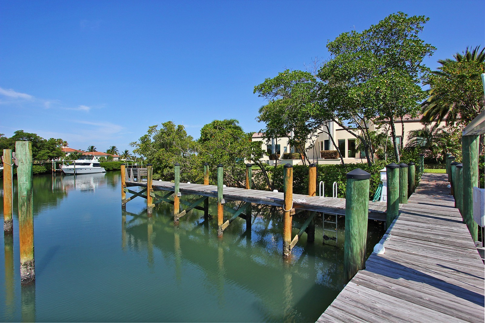 Real Estate Photography - 6814 SE Isle Way, Stuart, FL, 34996 - Dock