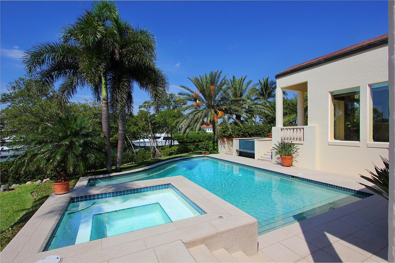 Real Estate Photography - 6814 SE Isle Way, Stuart, FL, 34996 - Pool