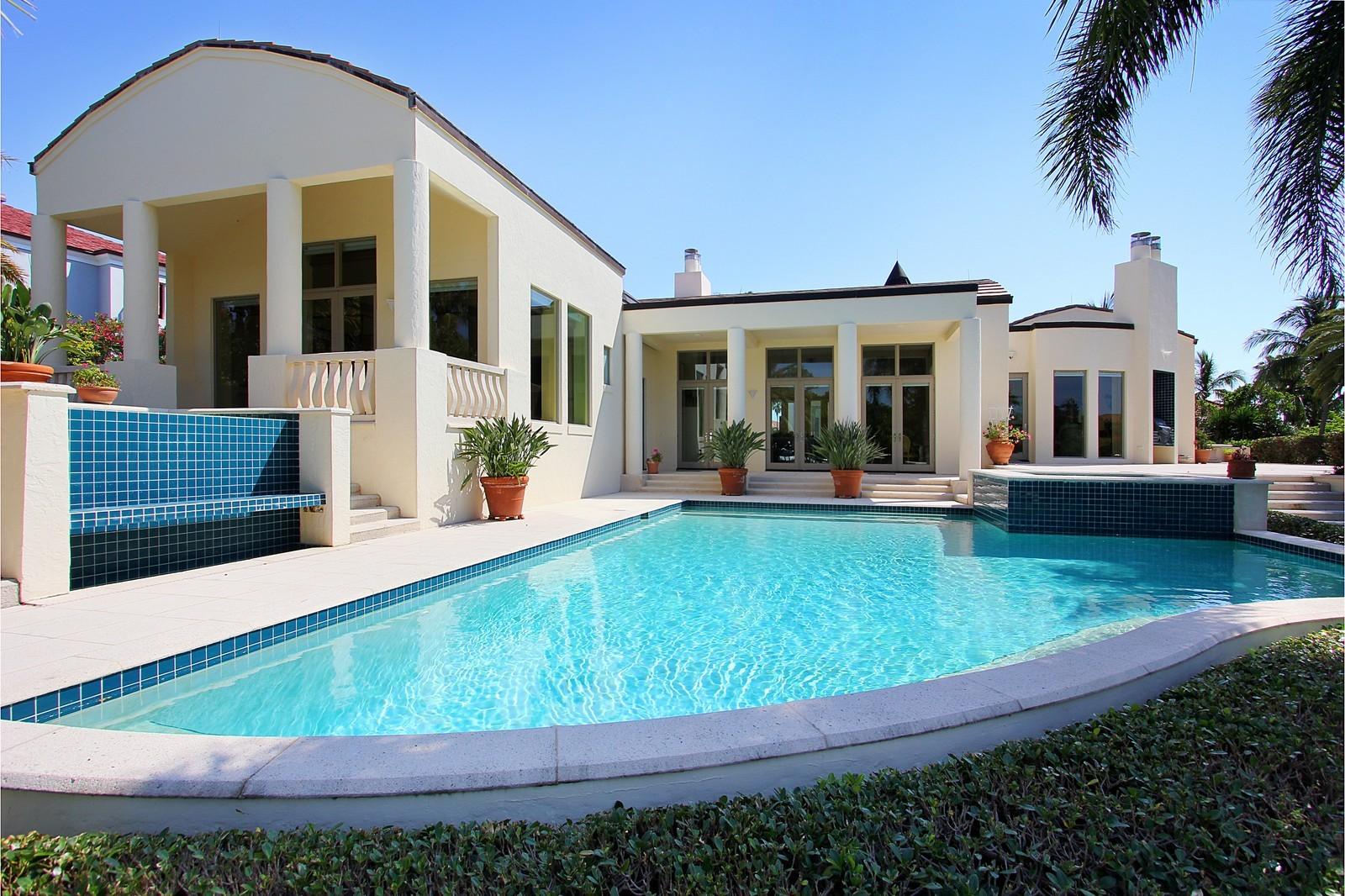 Real Estate Photography - 6814 SE Isle Way, Stuart, FL, 34996 - Exterior Back
