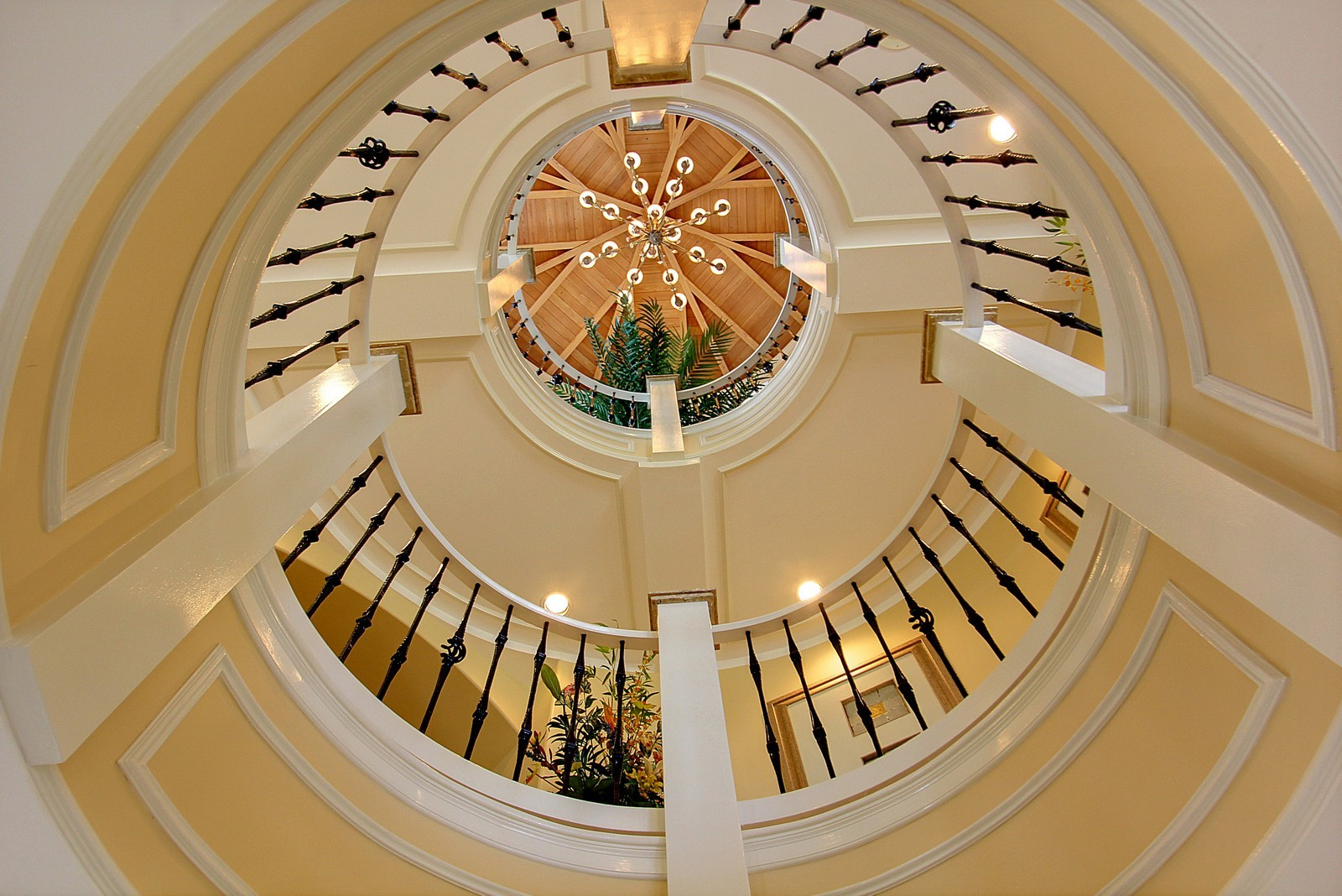 Real Estate Photography - 3047 SE Island Point Lane, Stuart, FL, 34996 - Rotunda looking up