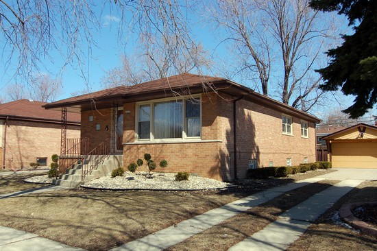 Real Estate Photography - 15327 Sunset Dr, Dolton, IL, 60419 - Front View
