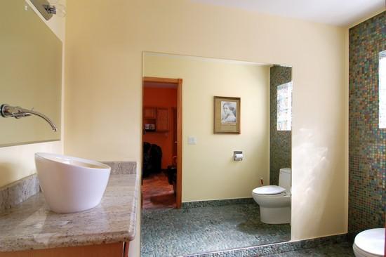 Real Estate Photography - 2107 E 87th, Chicago, IL, 60617 - Bathroom