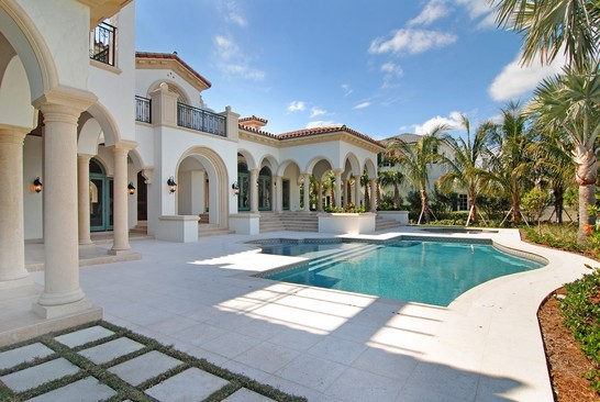 Real Estate Photography - 6976 SE Harbor Cir, Stuart, FL, 34996 - Pool