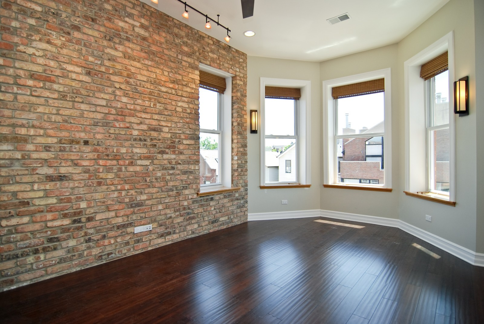 Real Estate Photography - 1744 W Augusta, Chicago, IL, 60622 - Living Room